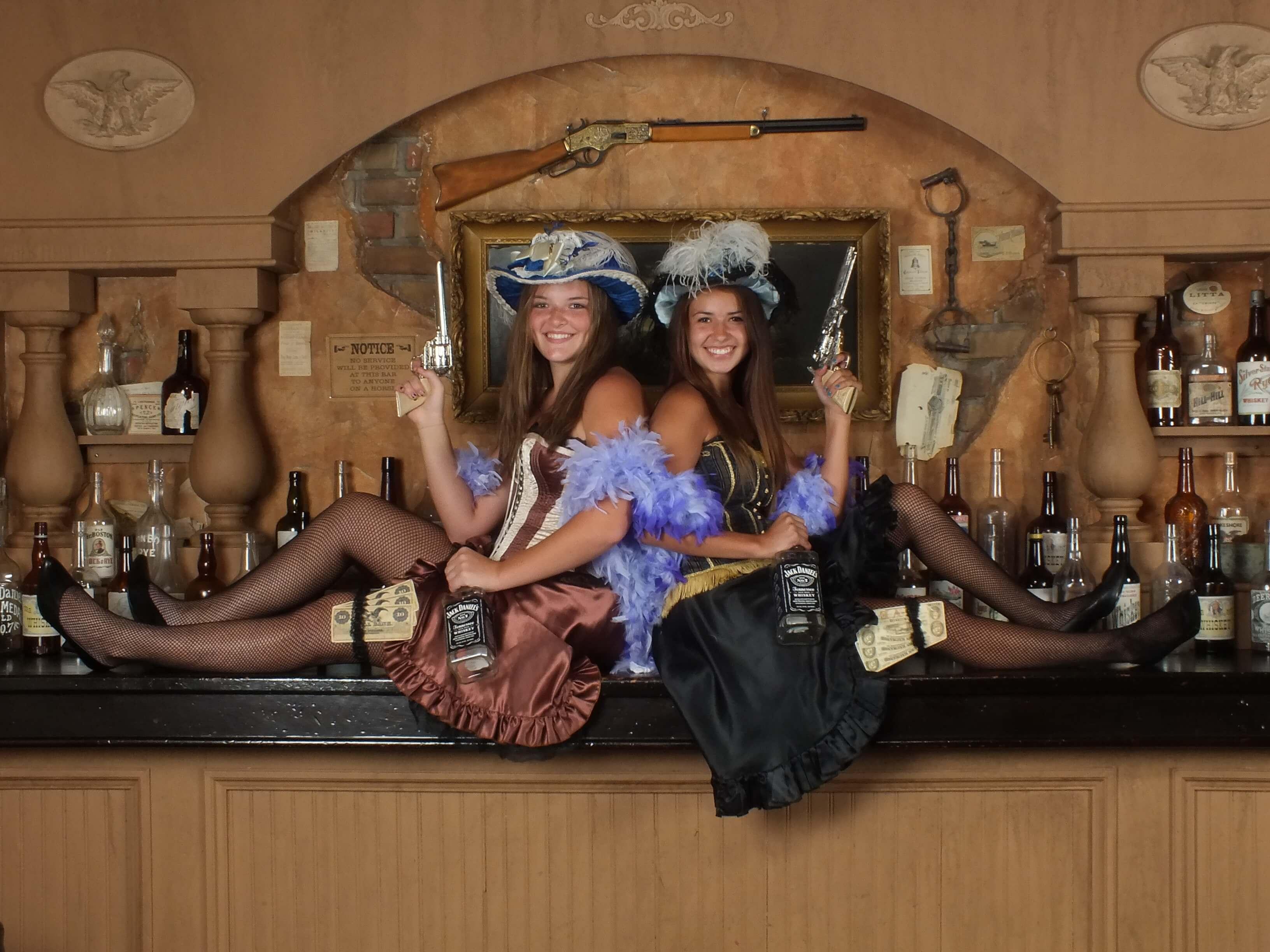 H Rattlesnake Saloon 2 Girls Wisconsin Dells