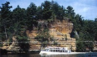 Dells Boat Tours LLC/Sunset Dinner Cruise