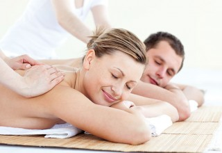 You-need-couples-massage