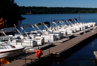 Boat-Rentals-on-River