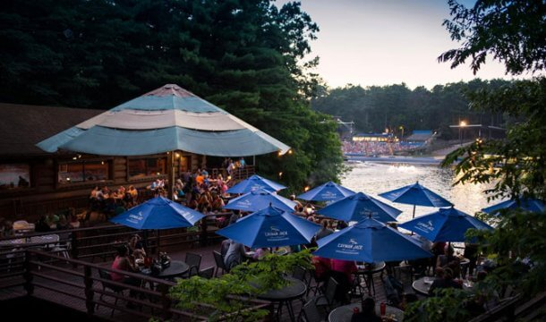 Waterfront Dining in Wisconsin Dells