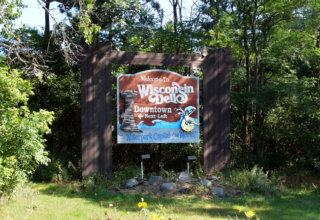 Wisconsin Dells Welcome Sign